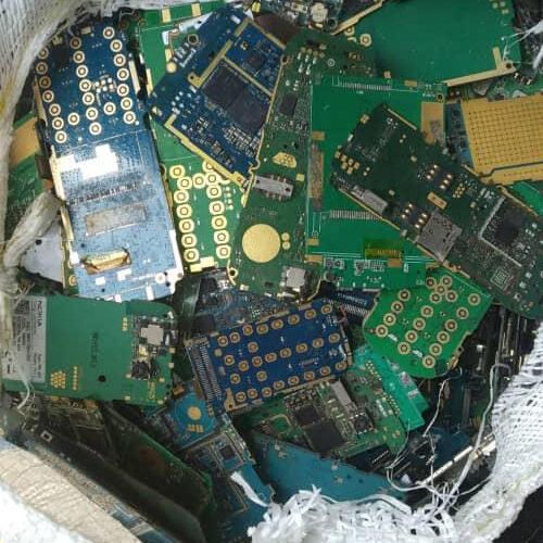 Платы от сотовых телефонов старого образца